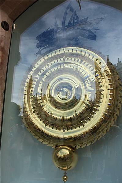 很奇妙的大時鐘