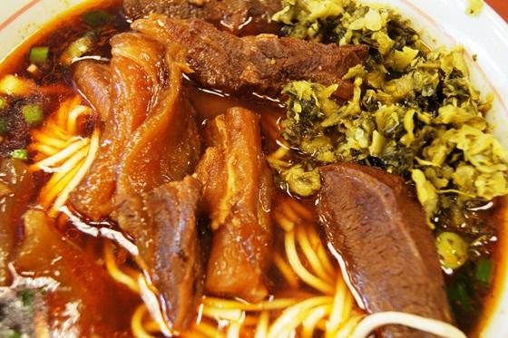 2012.10.22_[台北-大安]永康牛肉麵(1963創立)-半筋半肉麵(紅燒)_1