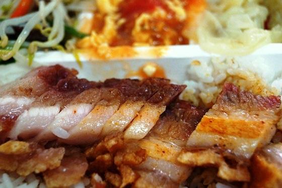 [台南-北區]華園燒臘快餐總店-脆皮火肉飯01