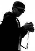 我是在2010年爬出因傷引發的失明危機之後,才開始玩攝影的。開始的原因?忘了。或許是想記錄什麼,留下些什麼吧......