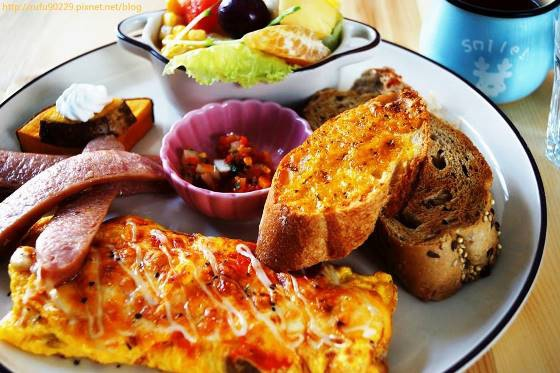 早午餐。ლ(⁰⊖⁰ლ)