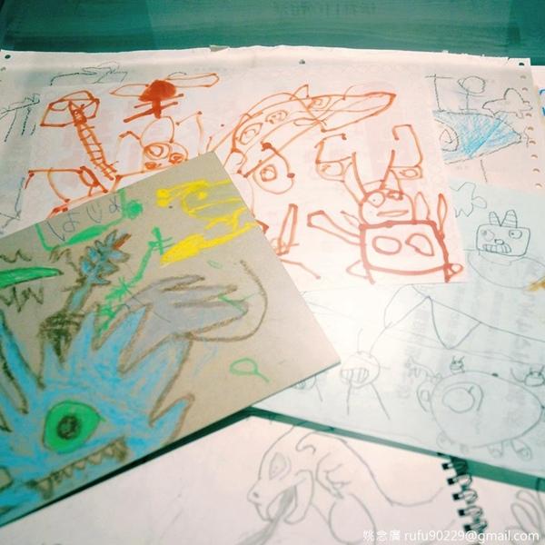 這是《進擊的巨人》作者「諫山創」老師兒時的塗鴉保留作,你兒時也愛塗鴉嗎:D