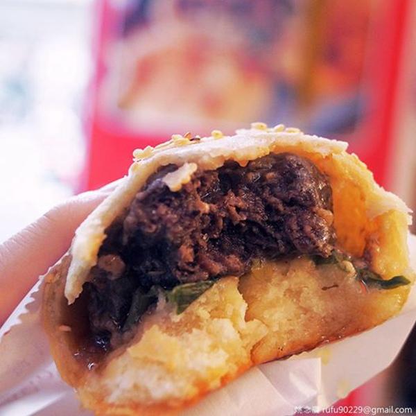 胡椒餅,酥脆香皮,油汁嫩肉,還有我愛的漢藥香!