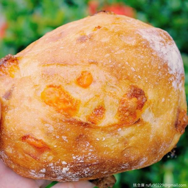 簡單卻實在,偶爾,來個歐式麵包裹腹一餐。