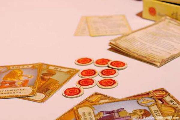 玩桌遊,喜歡玩略有謀略,沒有太多規則,然後要一點小幸運加持的類型。(o゚ω゚o)