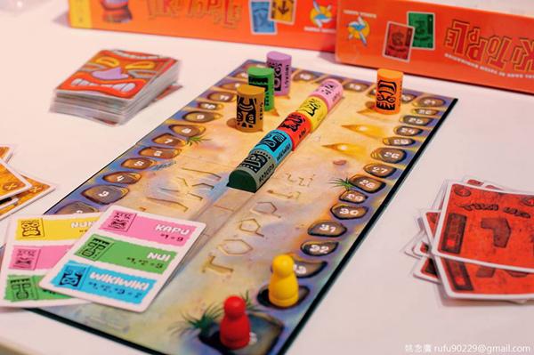 桌遊的世界很有趣,往往看似規則簡單的桌遊,其實是最需要運用策略取得勝利的呢!✧(순_순)