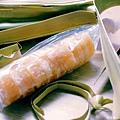 收到來自柬埔寨的伴手禮「棕櫚糖」,據說其取自柬國國樹棕糖樹,從千年前吳哥王朝便存在,能製糖及做家具。糖吃起來不會太甜,風味似紅糖但沒那麼重,並帶有獨特的棕櫚香,很特別的糖:d