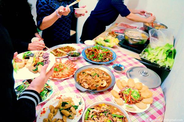 初二回娘家享受Buffet式團圓飯,那個體重什麼的就不管它了!哈哈哈!XD