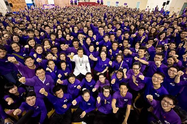 圖1我們是積極、熱情有活力的大學生!!