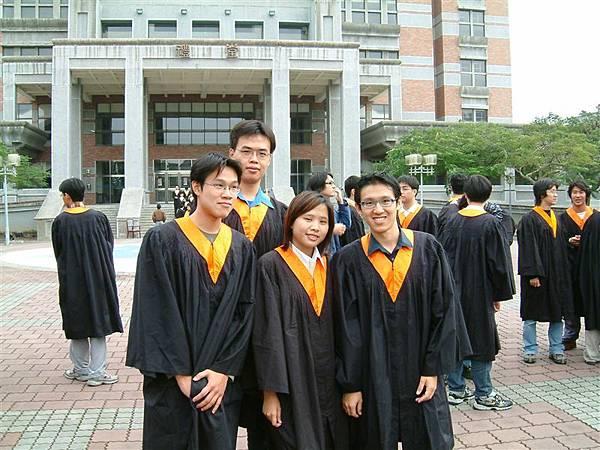 02畢業照