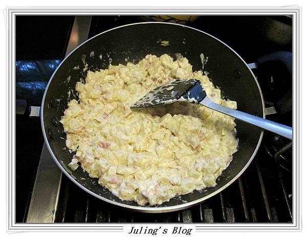 焗烤培根乳酪薯丁做法6.JPG