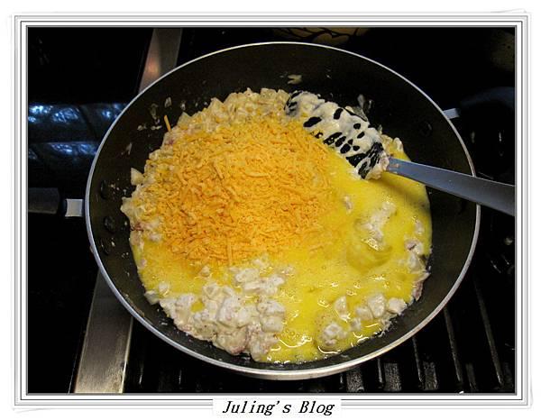 焗烤培根乳酪薯丁做法7.JPG