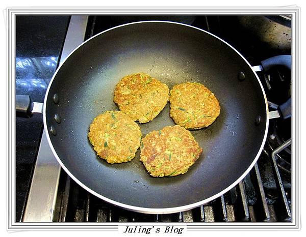 櫛瓜素漢堡排做法4.JPG