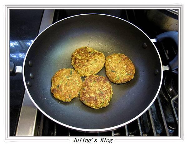 櫛瓜素漢堡排做法5.JPG