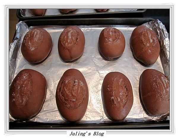 奶油巧克力麵包做法9.JPG