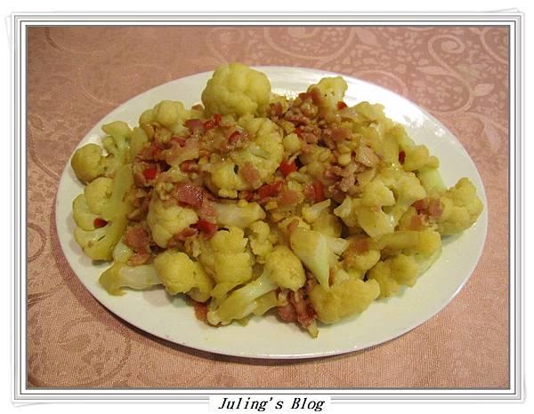 蒜香培根白花菜1