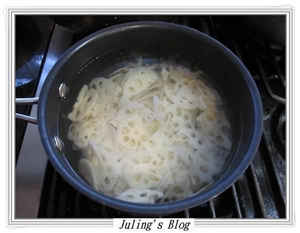 梅粉涼拌蓮藕做法2