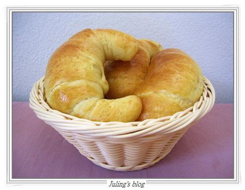 奶香牛角麵包