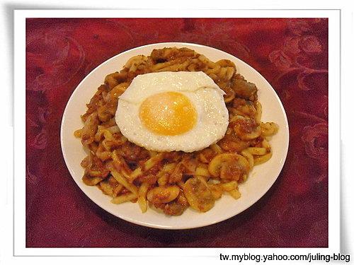 蘑菇肉醬&蘑菇肉醬滑蛋麵