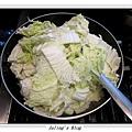 排骨酥白菜煲做法5