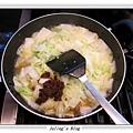 排骨酥白菜煲做法6