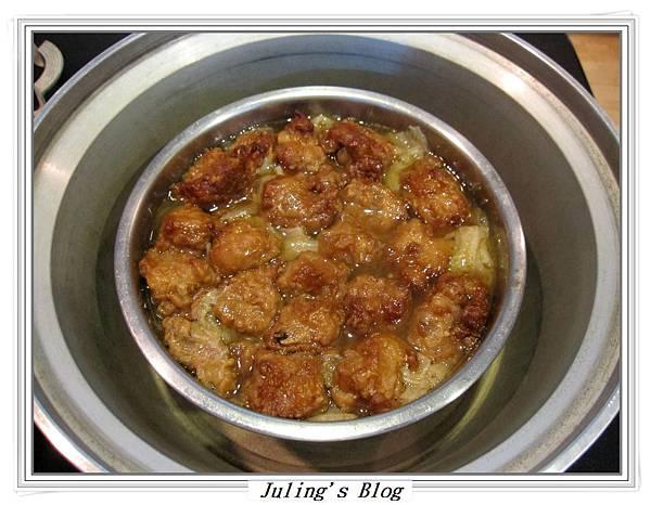 排骨酥白菜煲做法9