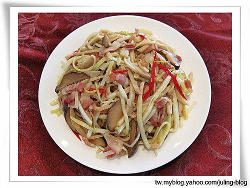 韭黃炒鮑菇絲