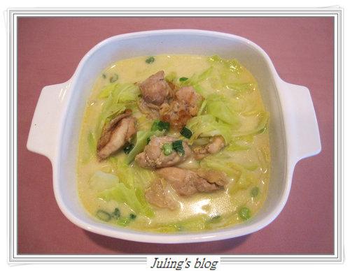 高麗菜雞肉豆漿鍋