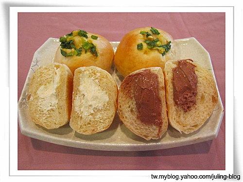 雙味爆漿餐包&咖哩蔥花餐包17
