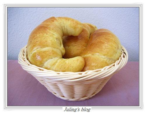 奶香牛角麵包17