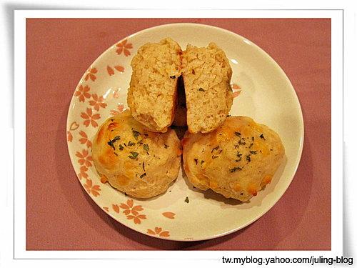 蒜香切達比司吉14.jpg
