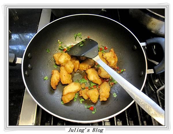 塔香魚片做法6.JPG