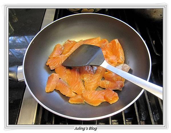 鮭魚餅做法3.JPG