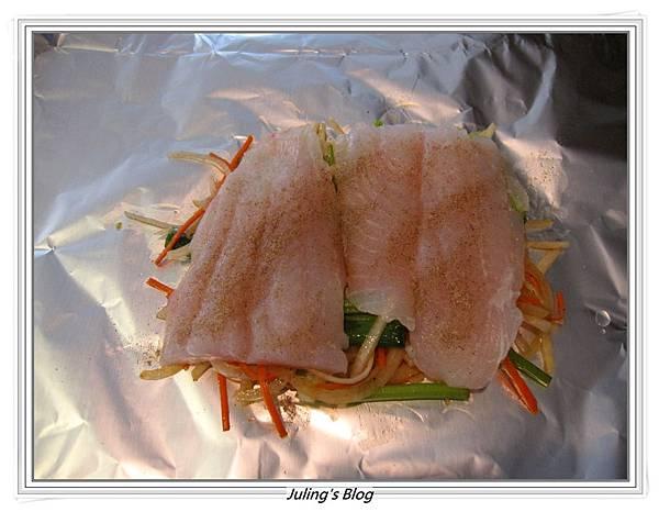 大頭菜紙包魚做法4.JPG