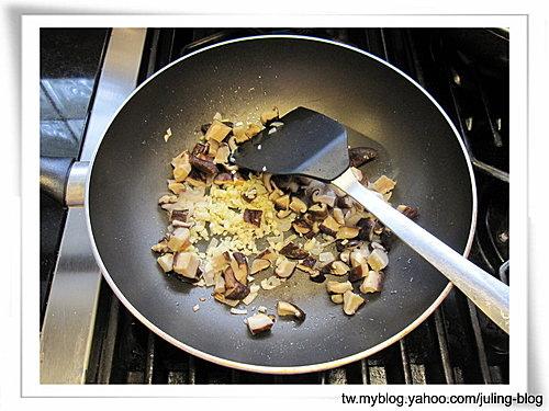 香菇醬爆雞丁3.jpg