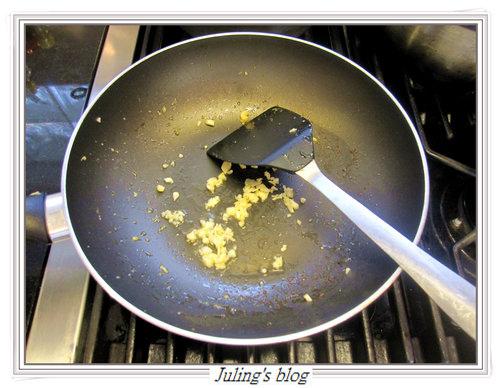 酸菜雞絲燜玉筍4.jpg