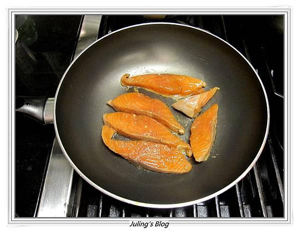 薑味蜜汁鮭魚做法4.JPG