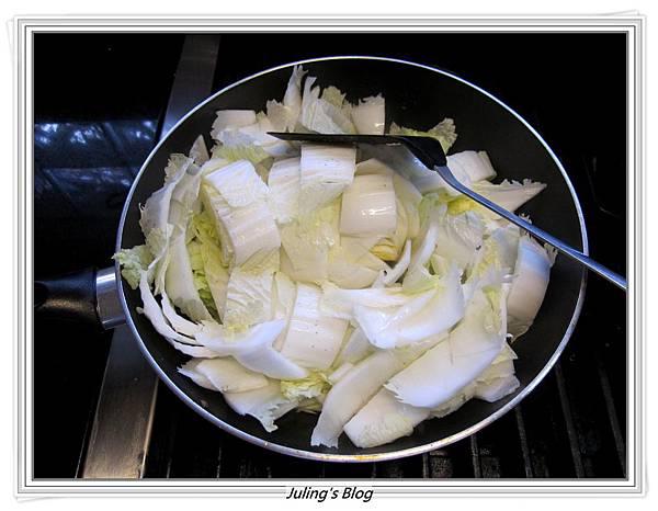 鹹豬肉滷白菜做法6.JPG