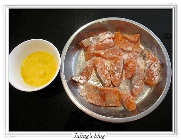 玉米菠菜鮭魚做法4.JPG