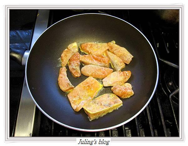 玉米菠菜鮭魚做法5.JPG