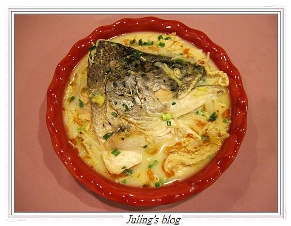鮭魚頭豆漿鍋1.JPG