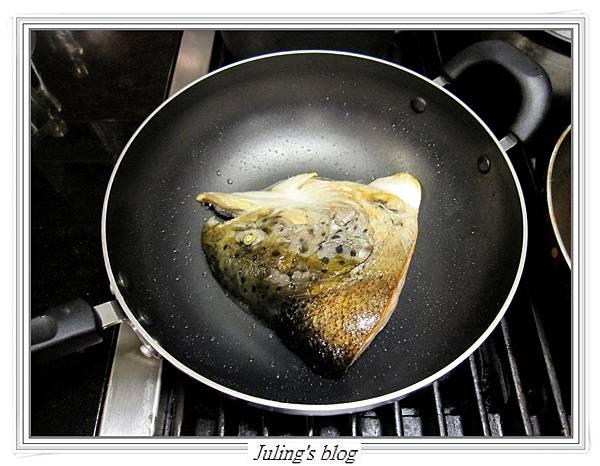 鮭魚頭豆漿鍋做法5.JPG