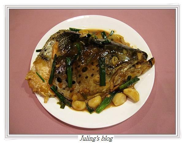 紅燒鮭魚頭1.JPG