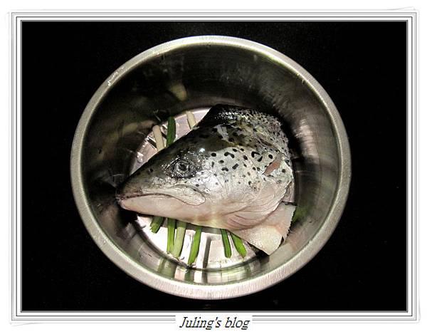 豉椒鮭魚頭做法4.JPG
