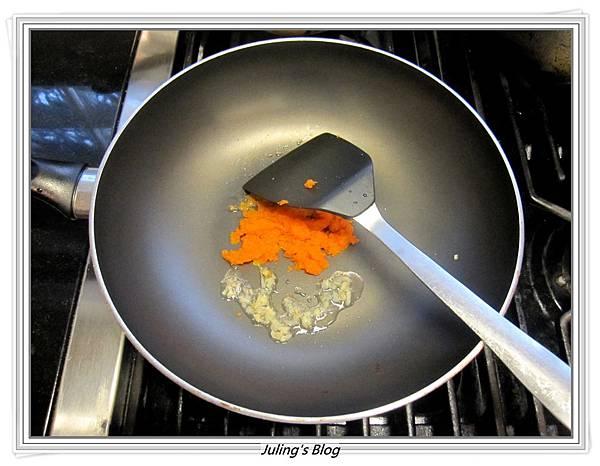 小魚乾燴菠菜做法3.JPG