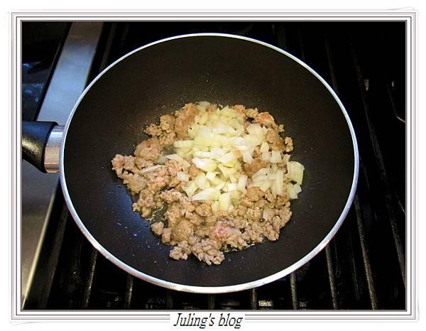 茄汁肉醬荷包蛋做法3.JPG