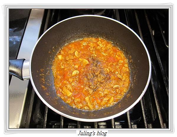 茄汁肉醬荷包蛋做法7.JPG