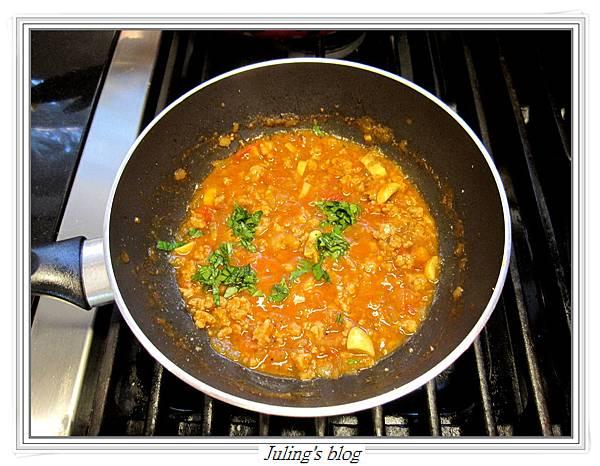 茄汁肉醬荷包蛋做法8.JPG