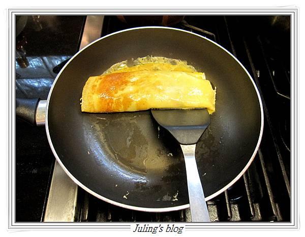 洋蔥蛋捲做法10.JPG