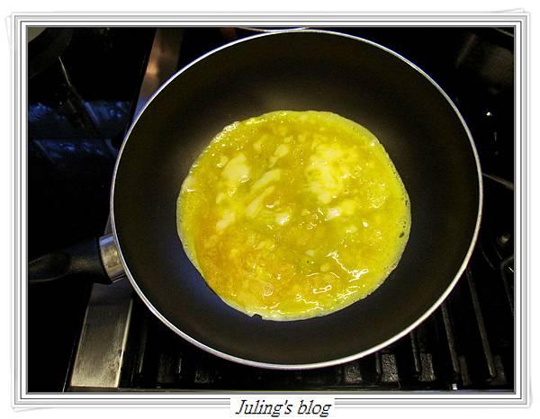 菠菜蛋卷做法3.JPG